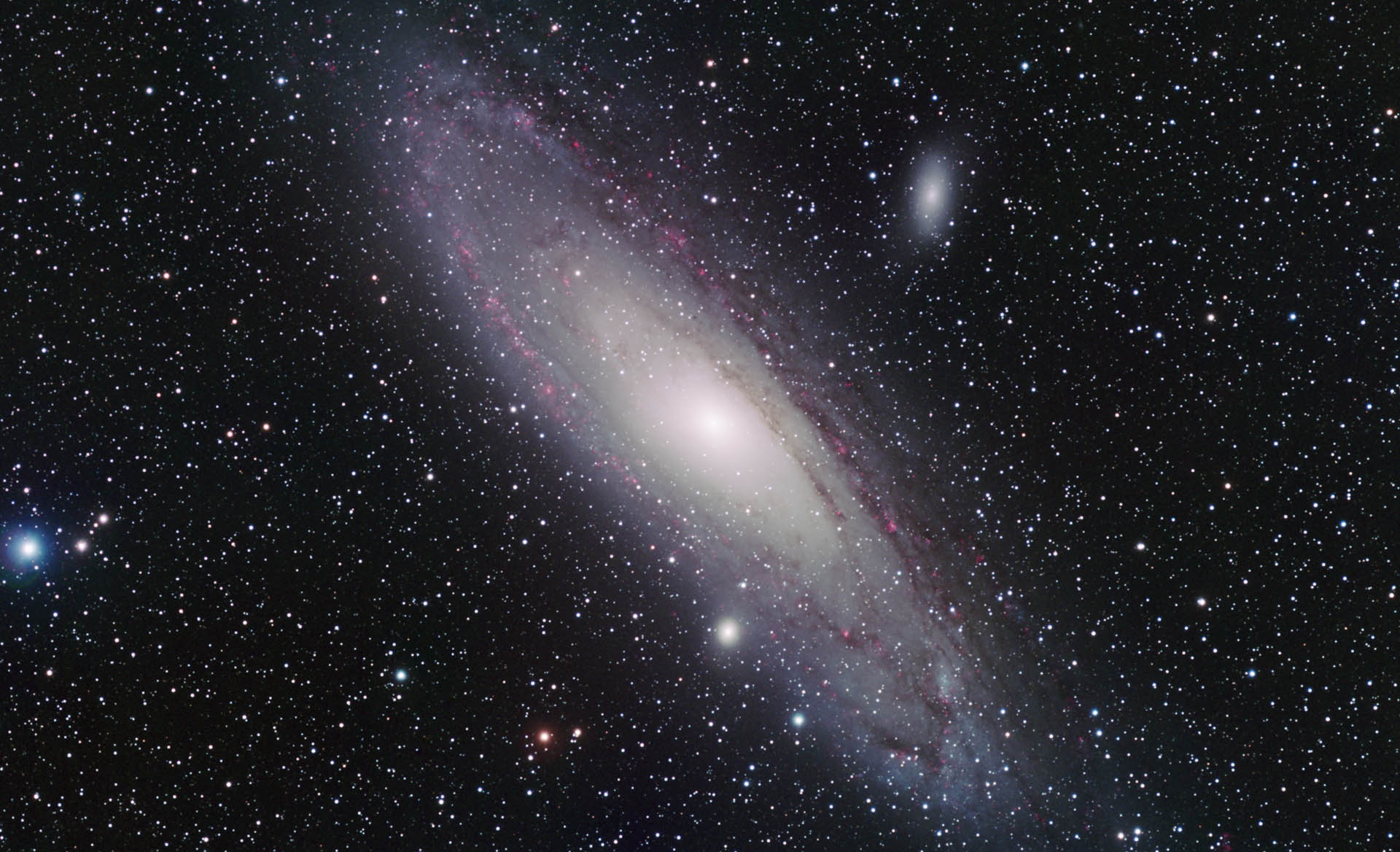 Andromeda Galaxy HD (page 2) - Pics about space